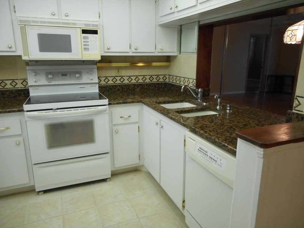 Pin On Pinewood Village Unit 205 New Price 77 900 Sold