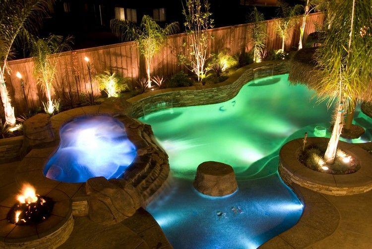clairage extrieur moderne piscine design claire jacuzzi et clture en bois massif - Eclairage Exterieur Piscine