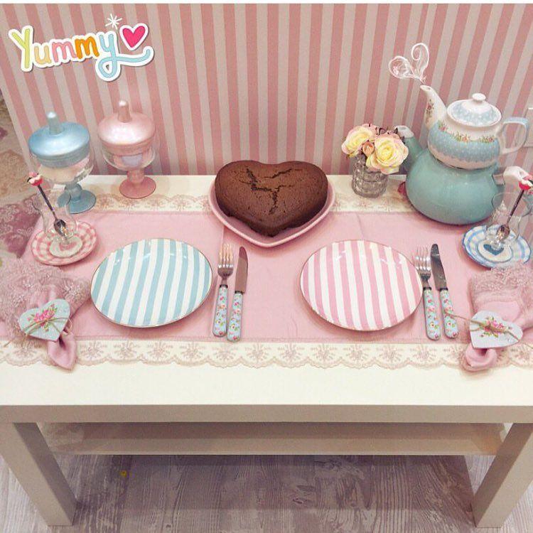 Decor Gdoosh On Instagram ديكور ايكيا منزل صالات ضيافة بيتي ديكورات مجالس منازل ذوق Hom مطابخ Pink Decor Decorative Tray Breakfast Table