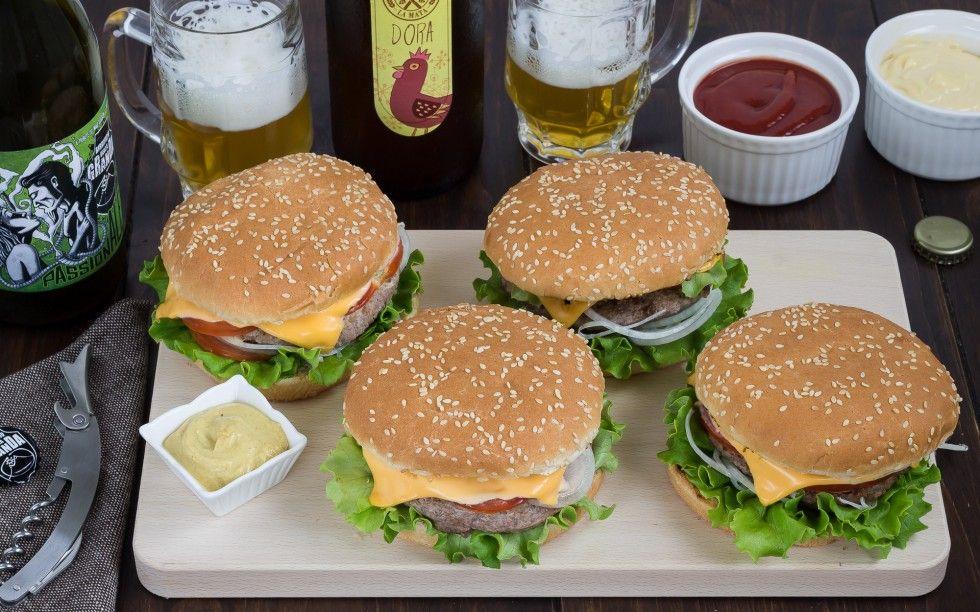 c28b22772dc6c26c9d2d2f3b7b60a67f - Hamburger Ricette