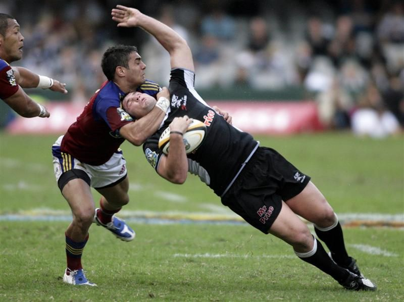 Seven Examples Of Rugby Hitting At Its Best Sportige Rugby Tackle Rugby Men Rugby Union