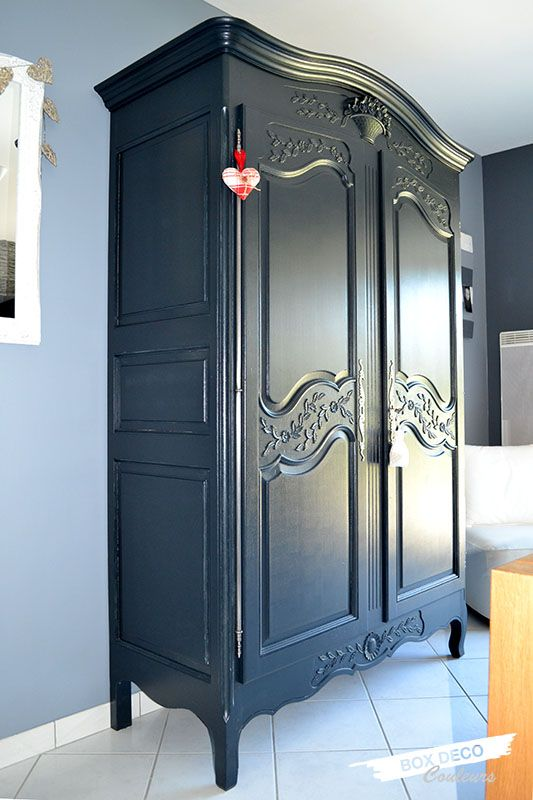 armoire normande r nov e peinte en gris anthracite. Black Bedroom Furniture Sets. Home Design Ideas