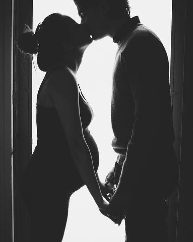Maternity shoot, silhouette