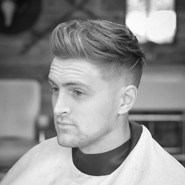 WEBSTA @ jarredsbarbers - Choppy undercut. #ukbarber #barbershop #modernbarber #menshair #mensstyle #beard #barber #barbershopconnect #fade #britishbarber #taper #texture #guyshair  #barberlife #barberlove #barberlifestyle #gentshair #hairmenstyle #thebarberpost #ukmasterbarbers #cutoftheday #skinfade #faded #pomade #mensfashion #hair…