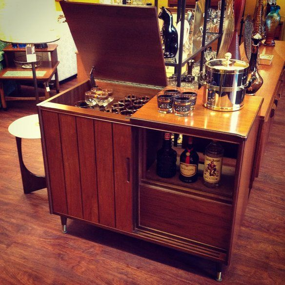 Vintage Bar Cabinet In Edgewater Chicago Il Usa Krrb