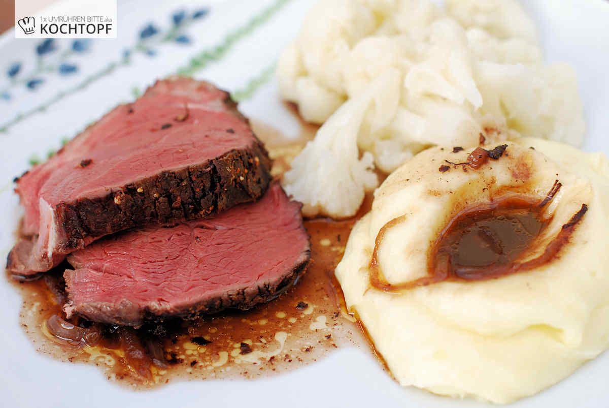 Wir essen selten Rindfleisch, wenn doch mal dann Backen, Gulasch oder Braten, also alles Schmorgerichte. Solche Gerichte mögen wir, und Schmoren ist entspanntes Kochen schlechthin. Man muss nicht auf den...