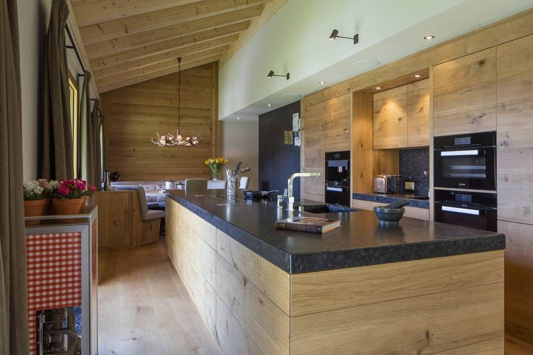 Moderne Küche Bilder: Moderne Massivholzküche im Chalet | {Moderne massivholzküchen 8}