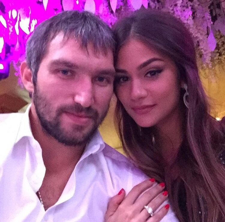 Nhlhockeywags Alex Ovechkin Wife Nhl Players Wife And Girlfriend