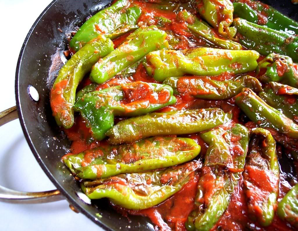 One Chgo Pinner Wrote Proud Italian Cook Melrose Peppers It S A Chicago Thing Yeah It Sure Is Stuffed Peppers Veggie Dinner Veggie Recipes