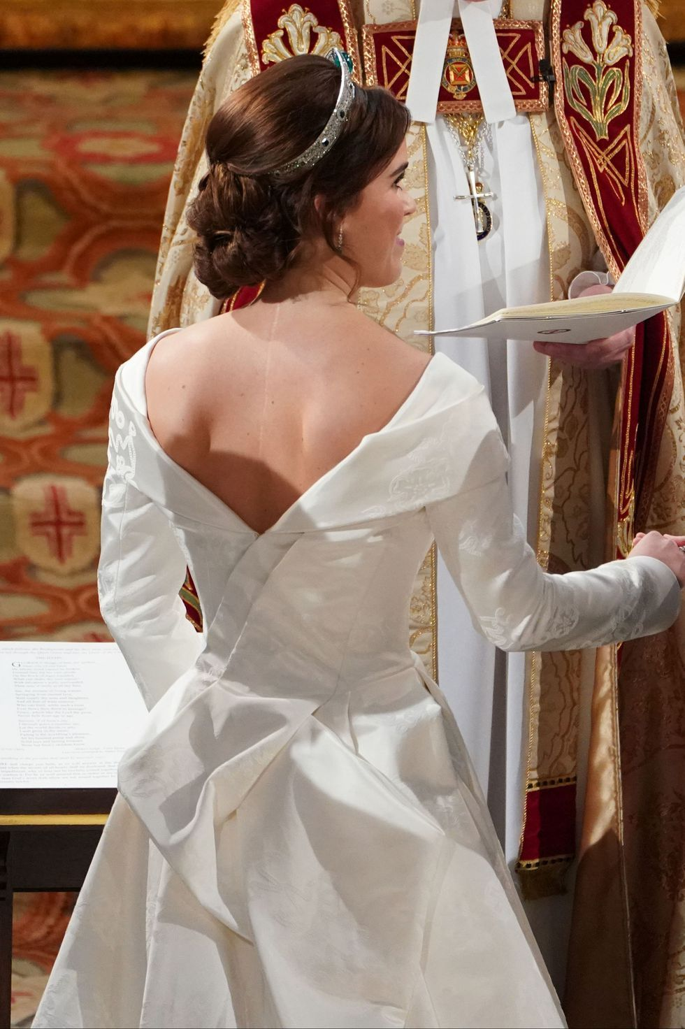 See Princess Eugenie S Open Back Wedding Dress Designed To Feature Her Spinal Surgery Scar Wedding Dresses Vogue Royal Wedding Dress Red Wedding Dresses [ 1333 x 2000 Pixel ]