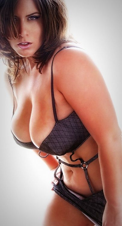 Thick sexy milfs nude