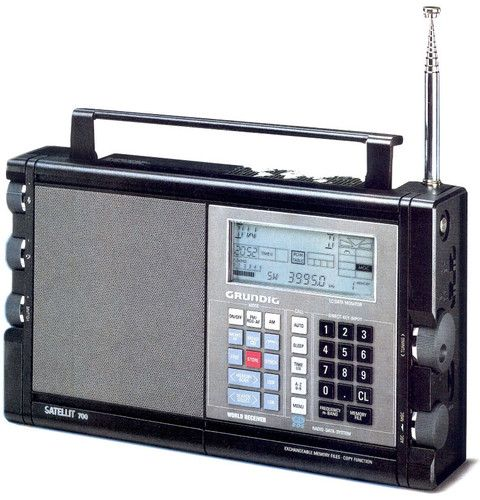 Grundig Satellit 700 General Coverage Receiver 2048 Memories Extras I Owned One Of These For A Short Time Bac Shortwave Radio Portable Radio Vintage Radio