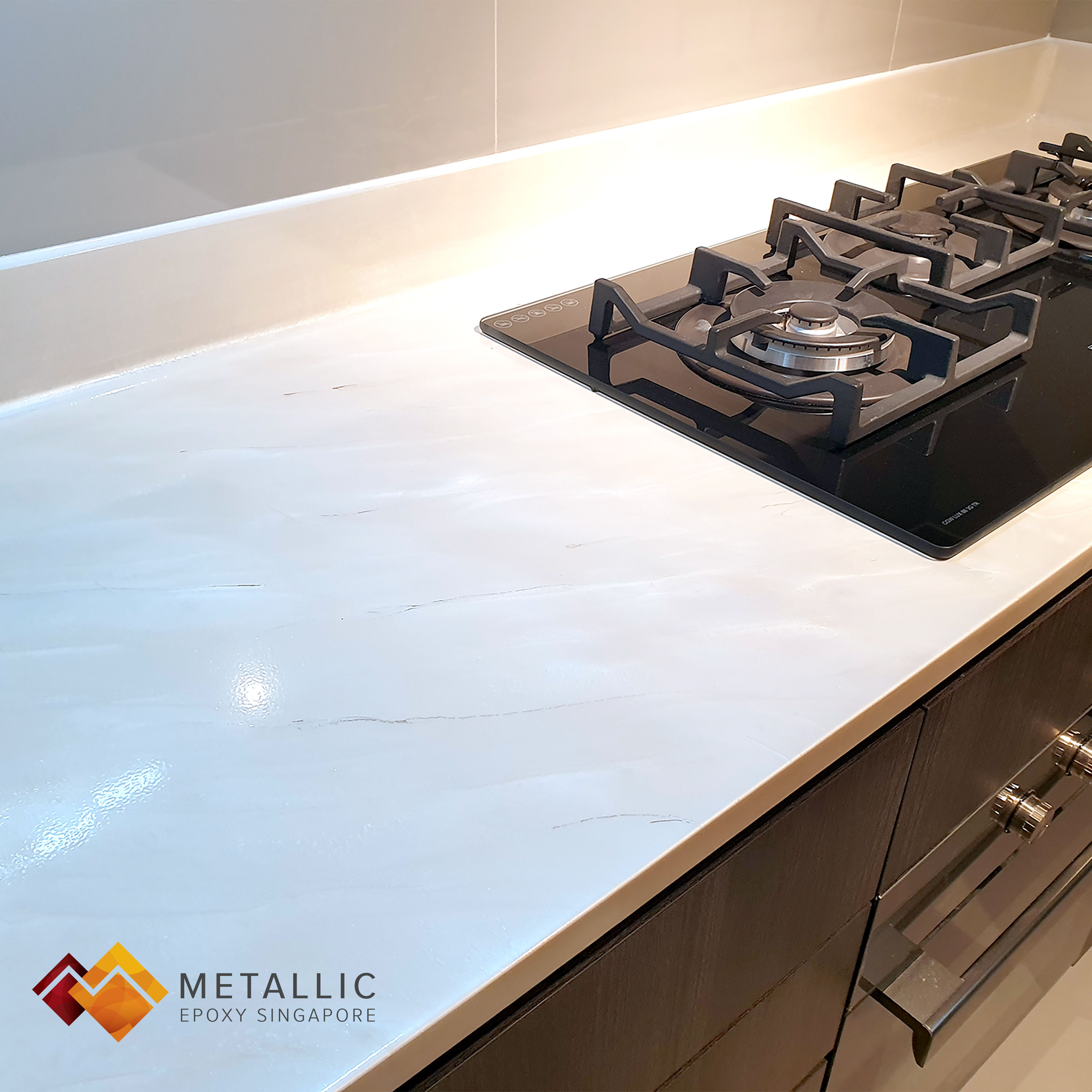 A Luxurious New Look For This Home Space With A Gorgeous Light Khaki Marble Theme Countertop Coating Metallic Countertop Design Epoxy Countertop Countertops