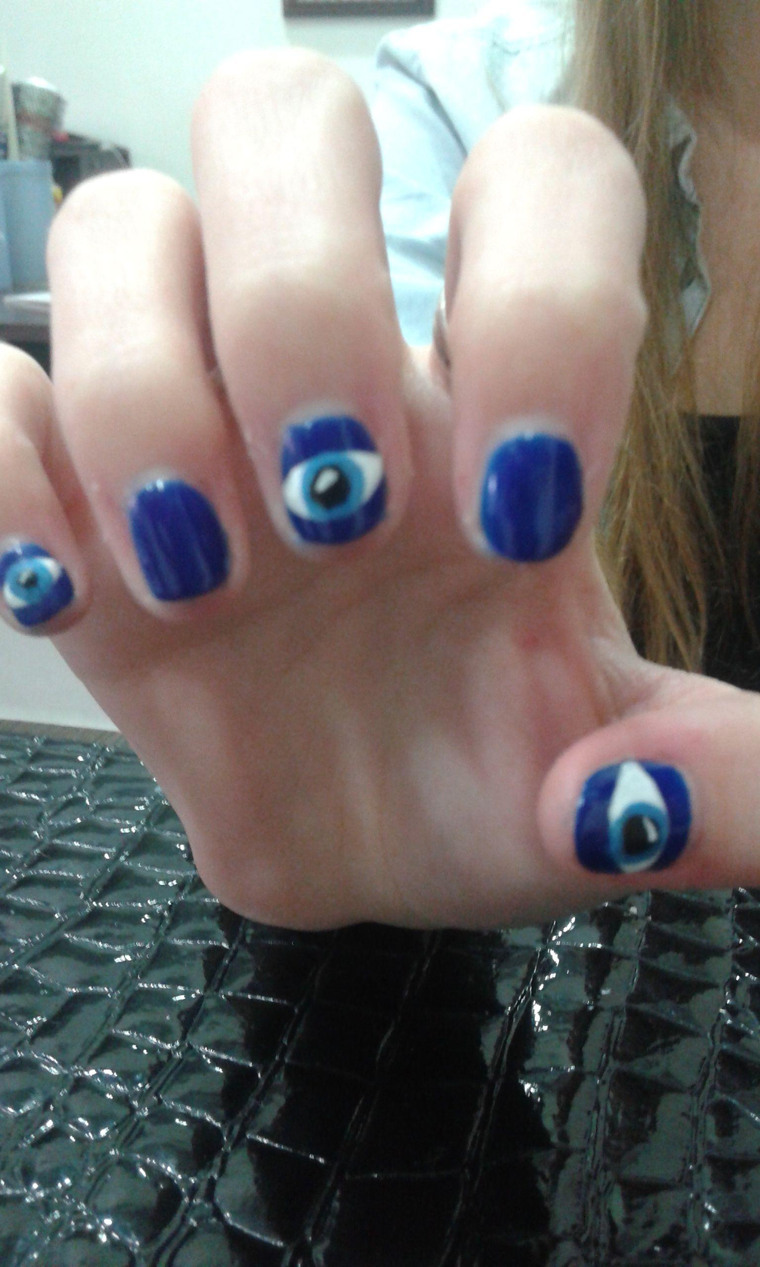 Ojos fondo azul