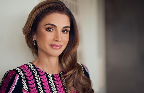 Queen Rania Of Jordan Celebrates Her 50th Birthday Today Queen Rania Celebrities Jordans