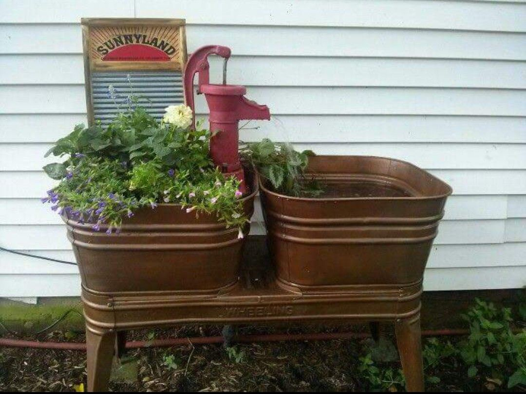 Old Wash Tub In 2020 Flower Bucket Water Features In The Garden Rustic Gardens