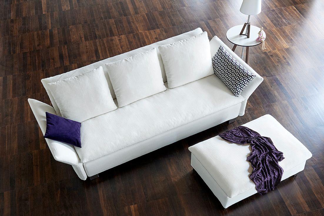 Das Schlafsofa ISLA von Signet. The sofabed ISLA from Signet.