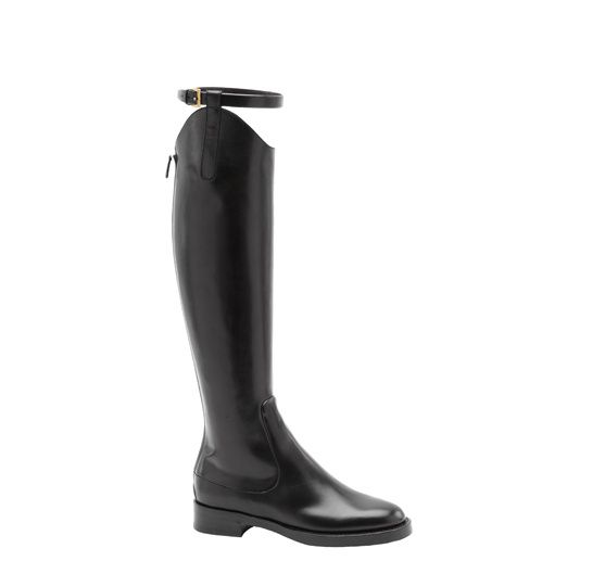 Gucci http://www.vogue.fr/mode/shopping/diaporama/bottes-cavalieres-1/9541/image/569428