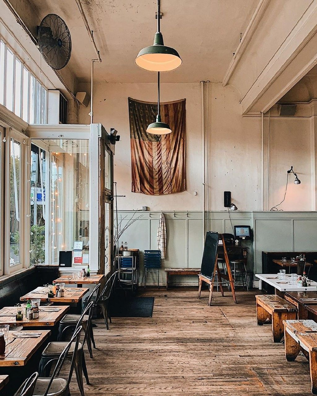 Seattle best places to visit in 2020 Vintage cafe