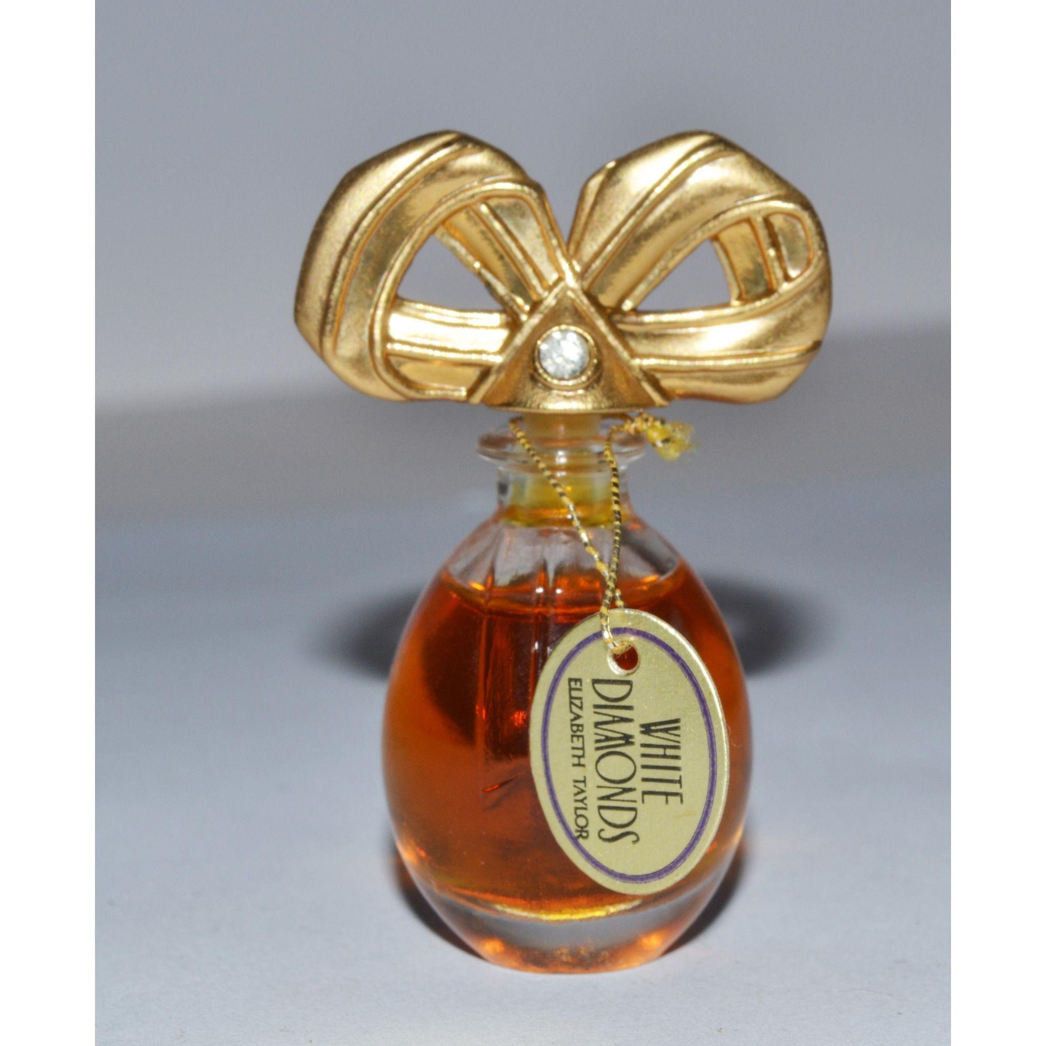 Vintage White Diamond Parfum By Elizabeth Taylor In 2020 Perfume Perfume Cologne Vintage Perfume