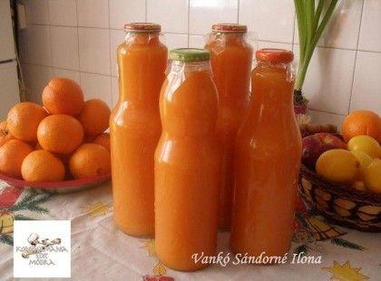 Ehhez a 4 üveghez: kb. 60-70 dkg sárgarépa, egy kisebb sütőtök, kb. 5 alma, ezeket kockára vágva megfőzzük. ( az almát külön) ,annyi vízben,hogy ellepje. Ha kihűlt a saját levével együtt turmixoljuk, hozzáadva 1 banánt.. Egy nagyobb tálba öntve, hozzáadunk még: 2 narancs kicsavarva, 1 citrom levét,…