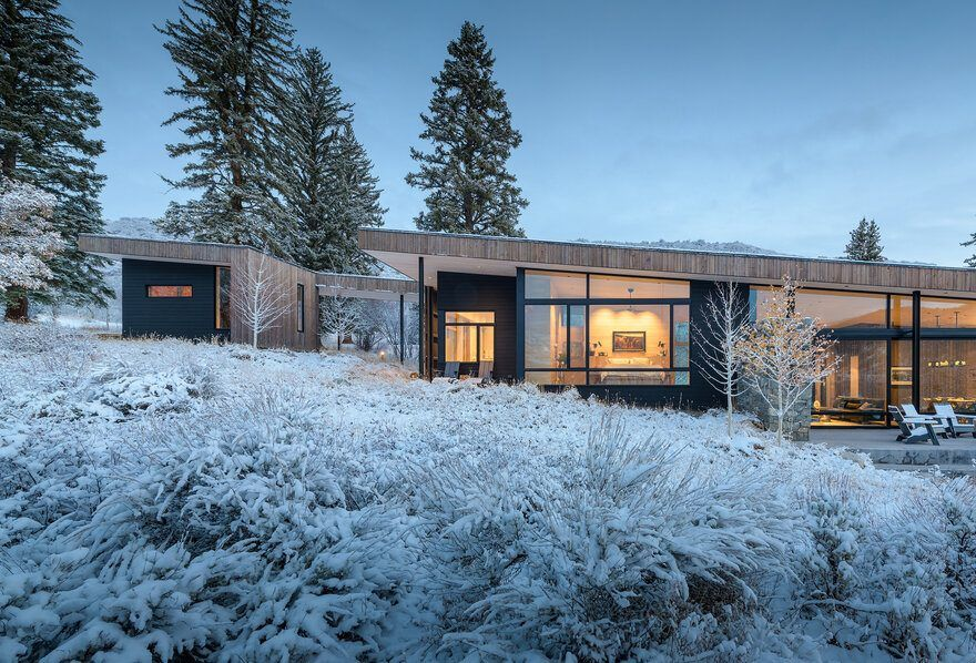 Old Pond Way Retreat Inspired By The Scandinavian Mountain Cabins Architecture Architect Mountain Homes