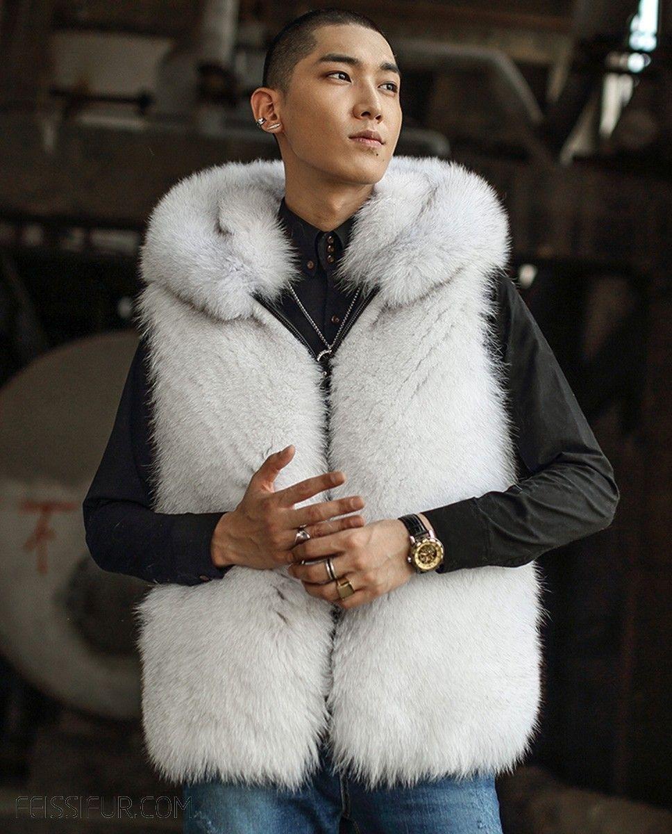 Men S Fox Fur Vest Crafted Of Premium Fox Fur Luxurious Soft And Supple Natural Light Gray Color Of Blue Fox Fix Hood Desi Fox Fur Vest Blue Fur Coat Fur Vest