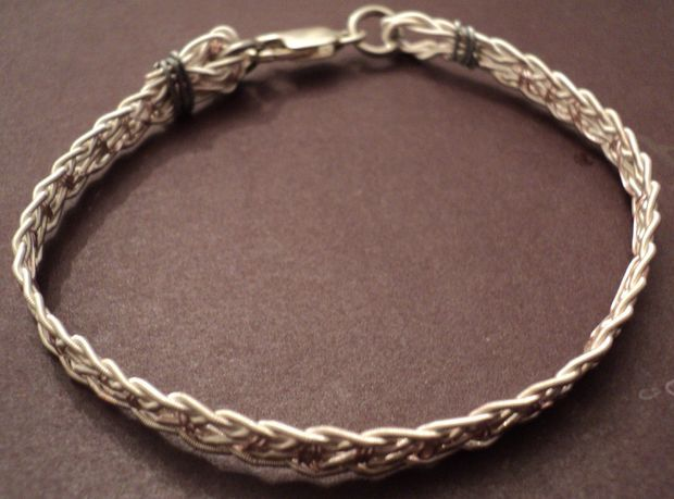 Make a bracelet out of used guitar strings #jewelry #upcycle #reuse