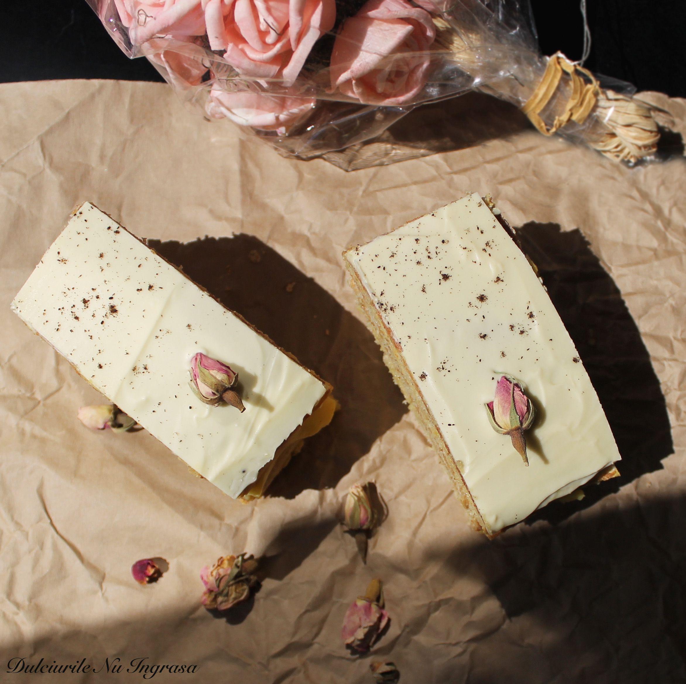 Tort Cu Crema De Vanilie Si Glazura De Ciocolata Alba Fara Zahar