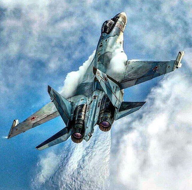 Vídeo: Sukhoi SU-35S  geração 4 ++