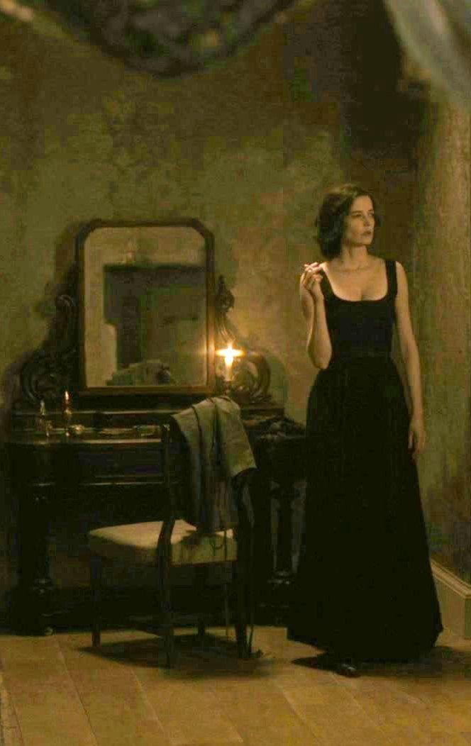 """Eva Green 