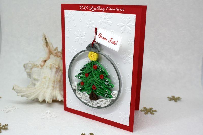 Addobbi Natalizi Quilling.Addobbi Natalizi Originali Per Un Albero Di Natale Davvero Speciale Natale Alberi Di Natale Palline Di Natale