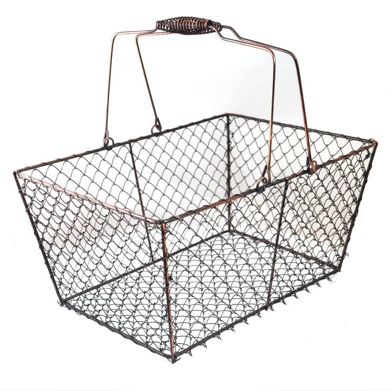 The Lucky Clover Trading Co: LOTS of inexpensive baskets, trays and ...
