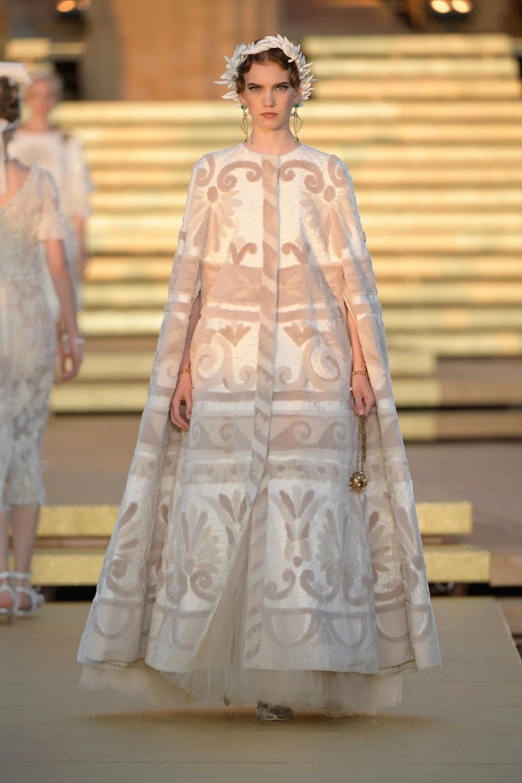 Collezione Haute Couture Dolce & Gabbana Autunno / Inverno 2019-2020 | Vogue Germania