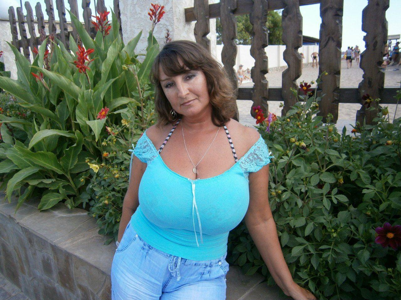 Женщина лариса с большой грудью