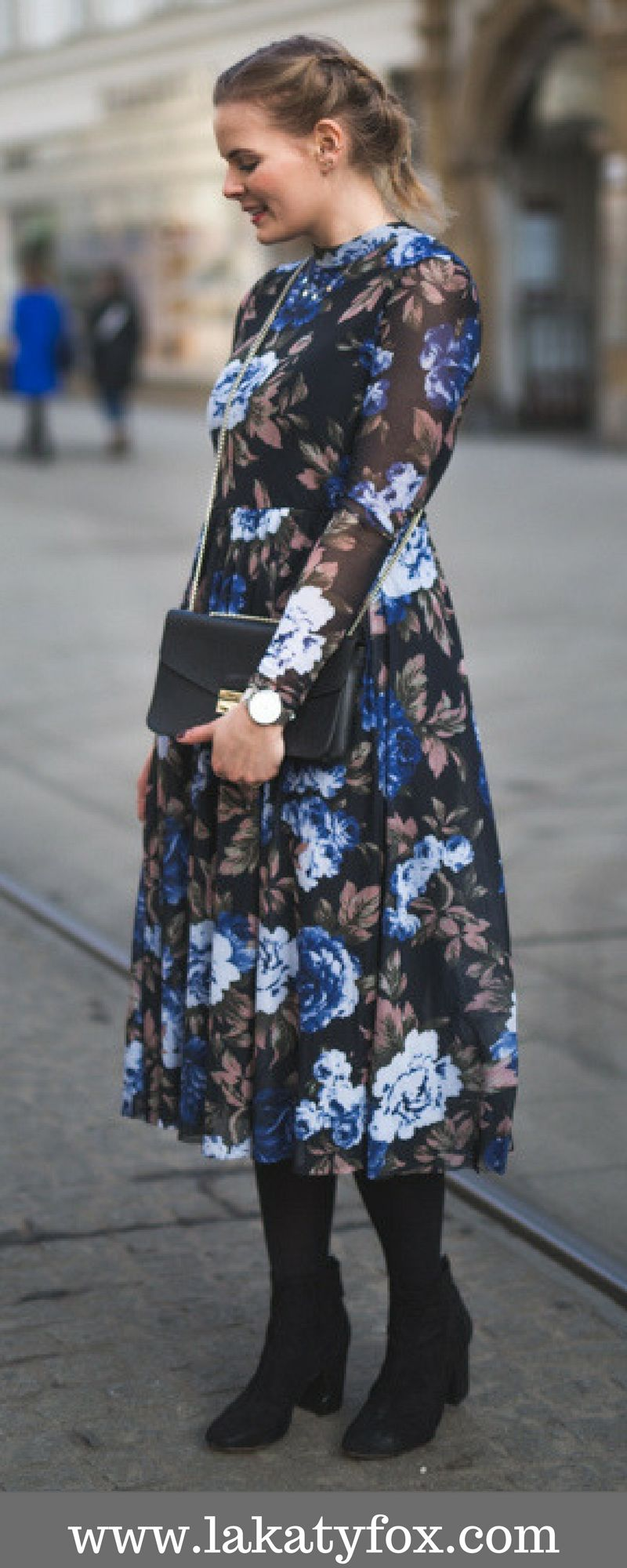 Blaues kleid kombinieren pinterest