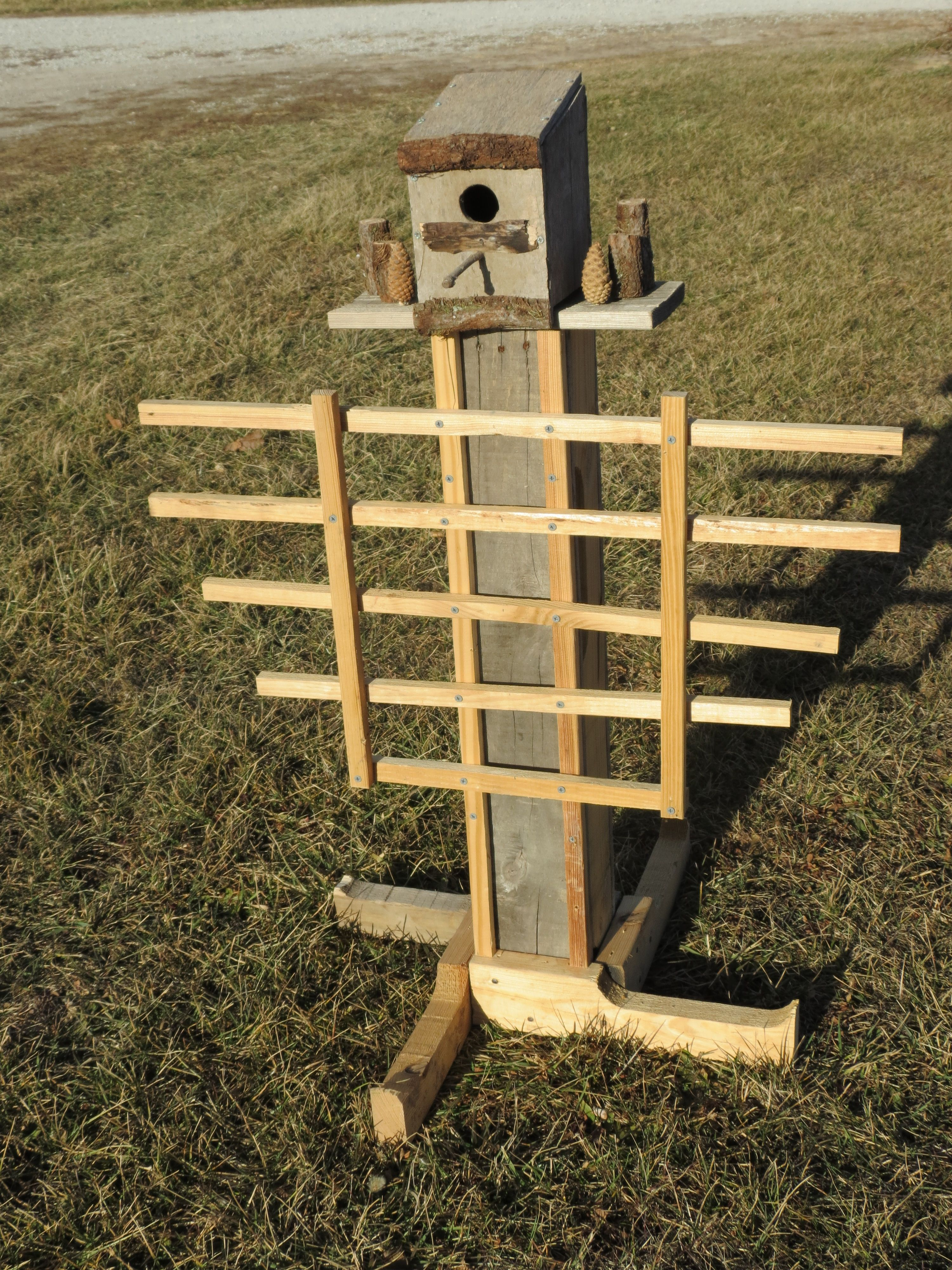 Made this free standing birdhouse from pallet wood and ...