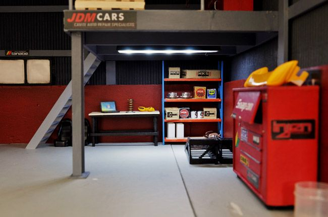 These 1 24 Car Garage Dioramas Are So Lifelike I Want To Be Shrunk