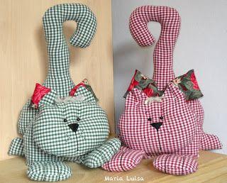 Il fatto a mano di maria luisa gatti fermaporta cucito for Cucito creativo gatti