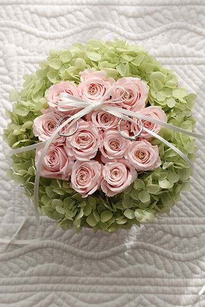 Dozen Rose Ring pillow Pink& Green ダーズンローズのリングピロー http://www.fleuriste-glycine.jp/