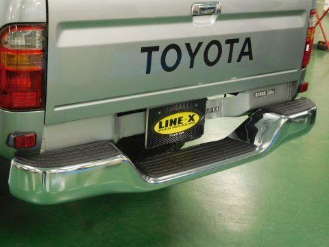 ハイラックス メッキ ステップバンパー Line X塗装カスタム トヨタ ハイラックス ピックアップトラック Toyota Hilux Pickup ピックアップトラック ハイラックス 荷台