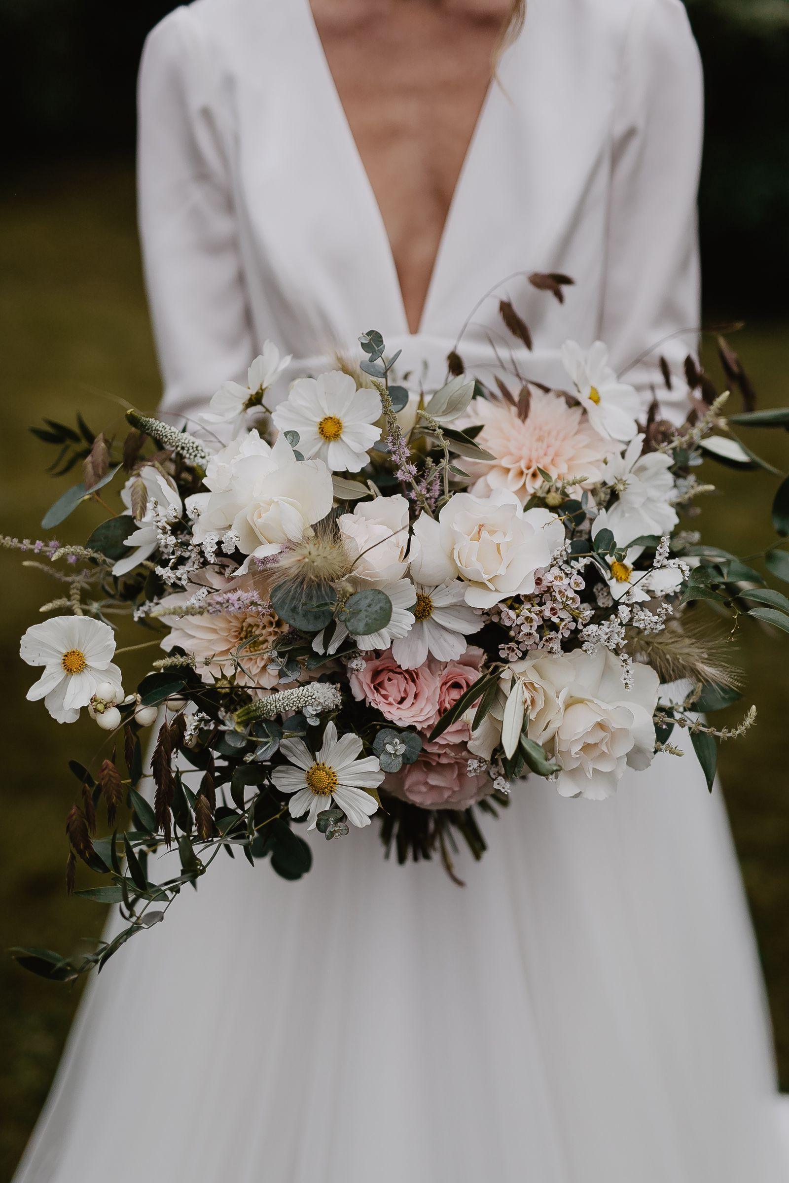 Can you really do your own wedding flowers? (With images