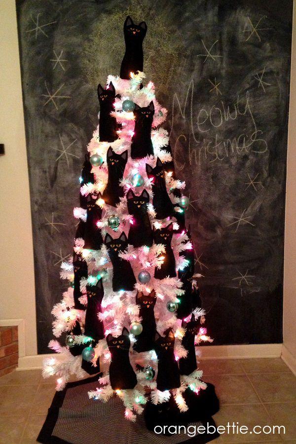 The Crazy Cat Lady Christmas Tree - felt cat free pattern