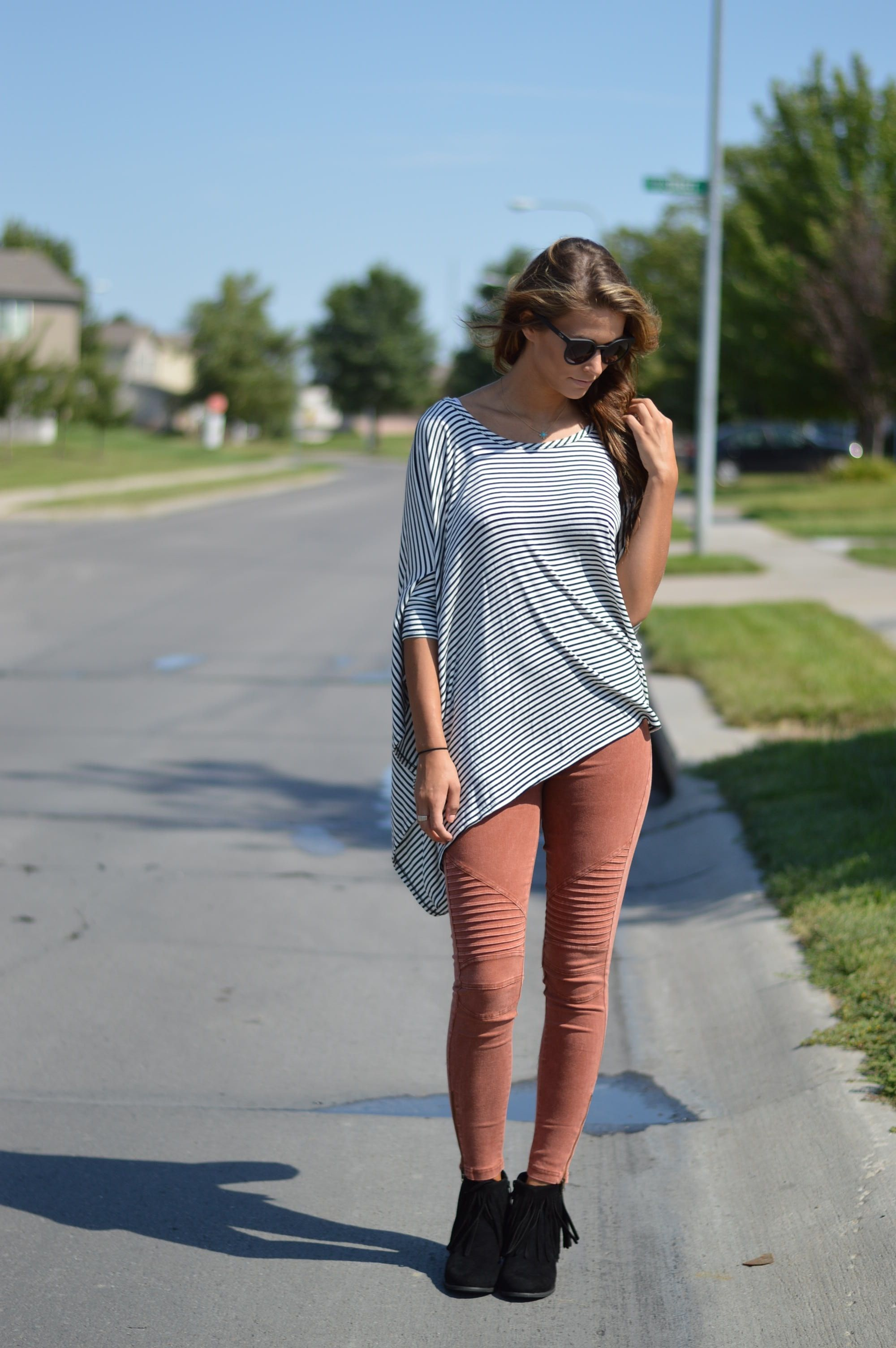 Black & White Stripe Flow Top. Half Sleeve. Pair with your favorite pair of jeans or colored skinnys. Cozy and comfy fall fashion. Wear it with leggings too! Fall Fashion from Foi Clothing.
