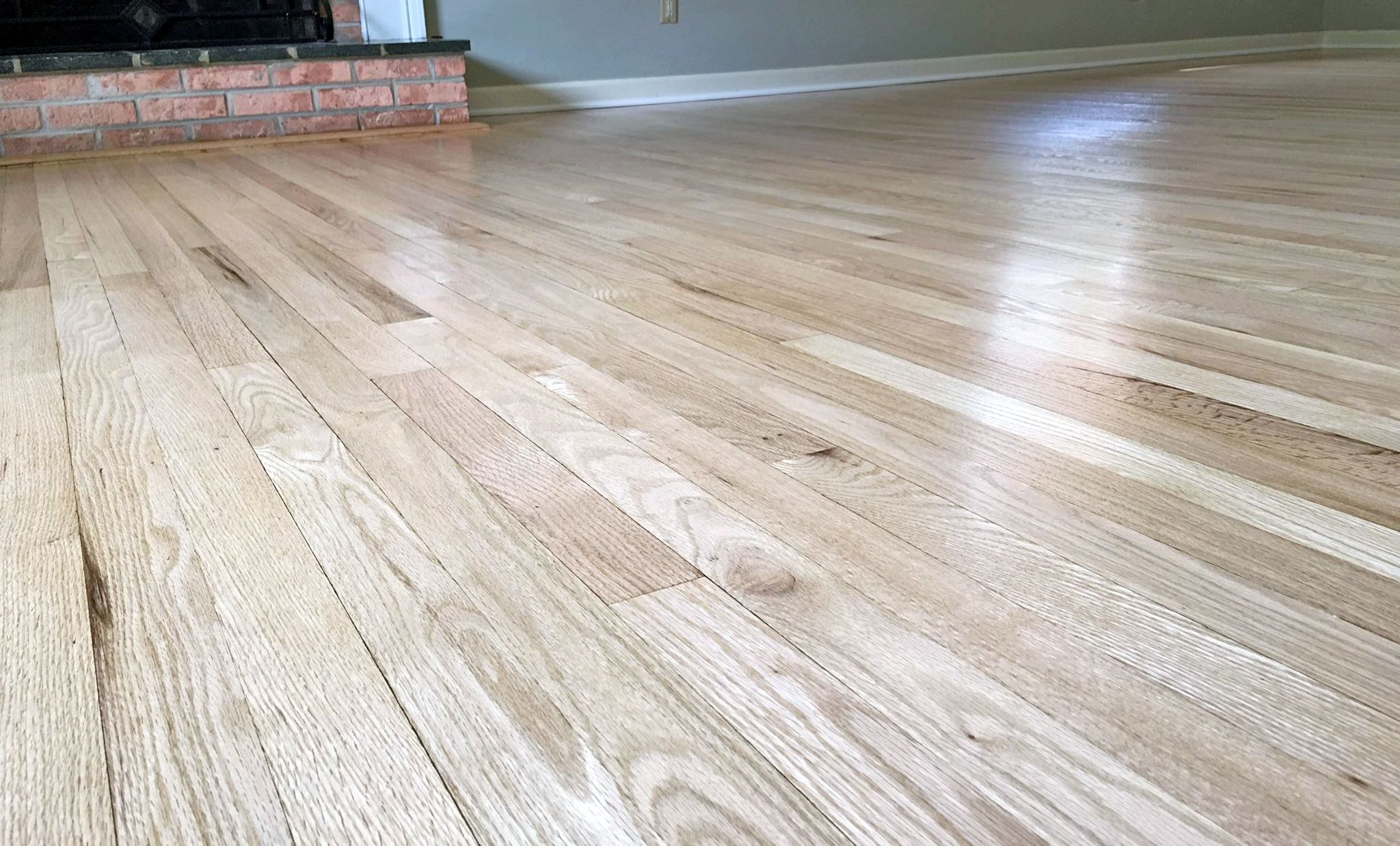 Red Oak Floors Refinished With Pro Image Satin Red Oak Hardwood Floors Red Oak Floors Red Oak Wood Floors