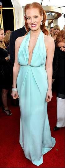 Seafoam Green is the new black! Check out Jessica Chastain in this fab dress