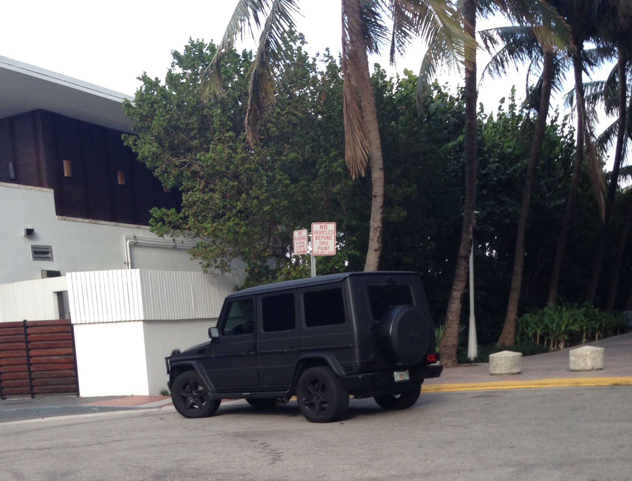 matte blacked out mercedes g wagon cars pinterest matte black cars and zoom zoom. Black Bedroom Furniture Sets. Home Design Ideas