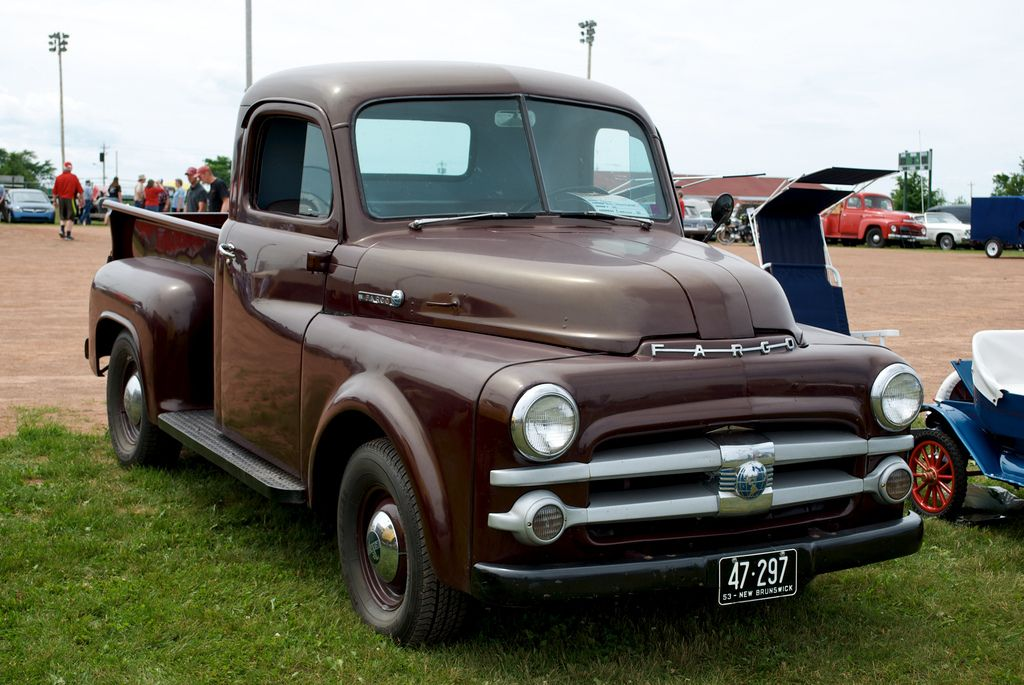 c297bd0b761b3249c79ba776eaec39da 1953 fargo desoto fargo cars pinterest dodge pickup, dodge 1952 dodge pickup wiring diagram at crackthecode.co