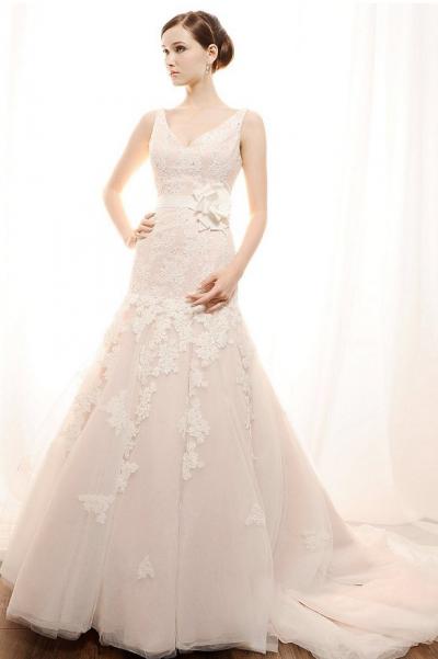 Make 'Em Blush with the New Hue! Blush bridal gowns now available at Las Vegas wedding dress stores   Las Vegas Wedding Blog
