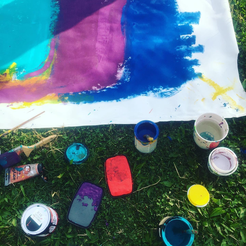 Coloriamo la giornata è gli animi. #mamiki #bayoulab #create #contemporaryart #newyork #gallery #colorislife #violet #yellow #onlygoodvibes #actionpainting #artgallerynyc #expressyourself #change #colors #assemblageart